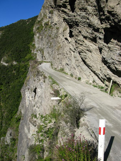*pic from dangerous roads.com