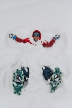 Ï can make a snow angel!